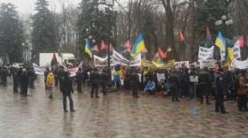 Нардеп посоветовал митингующим шахтерам под Радой «давить» Яценюка