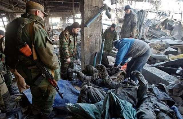 Шокуюче відео тіл загиблих кіборгів в морзі Луганська 18+