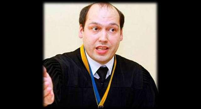 Одиозный судья Сергей Вовк уже сбежал за границу?