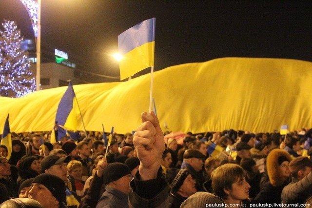 Для тех, кто говорит, что Донецк просто лёг или сам позвал войну