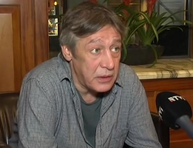 Михайло Єфремов хоче залишити Росію