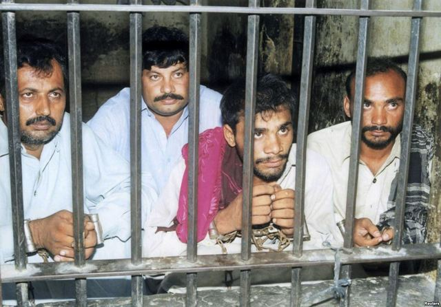"""Отныне в Пакистане помилований не будет: мораторий на """"вышку"""" отменен"""
