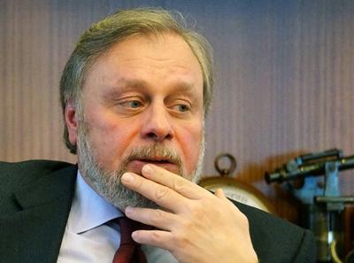 Леонид Лебедев предъявил Вексельбергу вексель