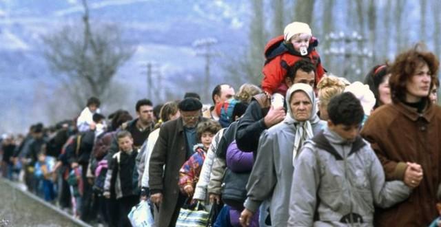 Кабмин сам будет решать, кто из волонтеров платит налог за помощь переселенцам, а кто — нет