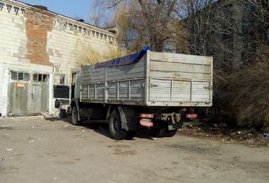 Полтавський прокурор приторговує автомобілями зі штрафмайданчику