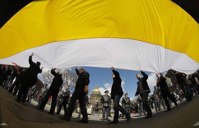 Раскол среди националистов. Вооружённый конфликт в России станет неизбежным
