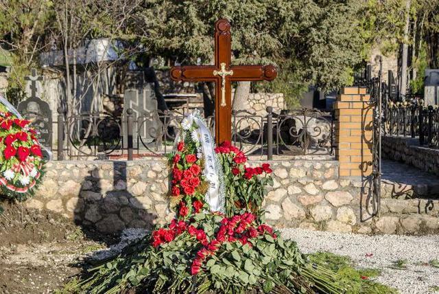 Сына Януковича похоронили в Крыму в безымянной могиле