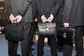 Новая государственная служба: зарплаты выше, уволиться сложнее