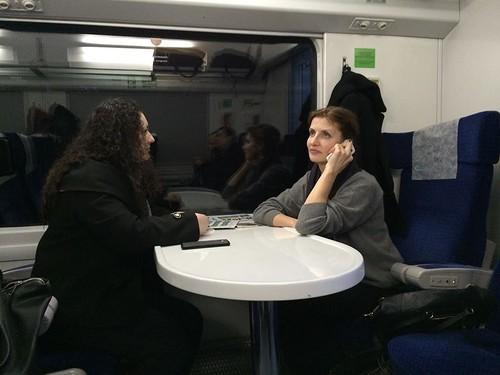 Фотографию жены Порошенко в поезде опубликовал интернет-бот. Расследование