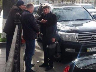Владимир Парасюк разгоняет кортежи коллег под Верховной Радой