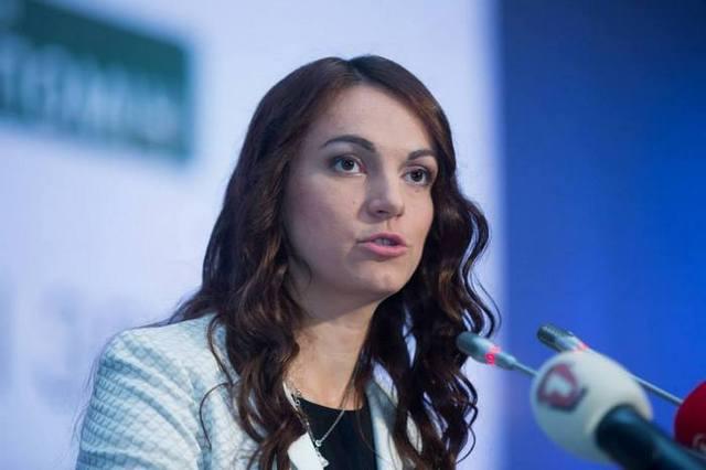 Львівські депутатки скинулися «бідній» Гопко на шкільний ранець для дитини