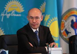 Назарбаев уволил главу Нацбанка Казахстана из-за девальвации тенге