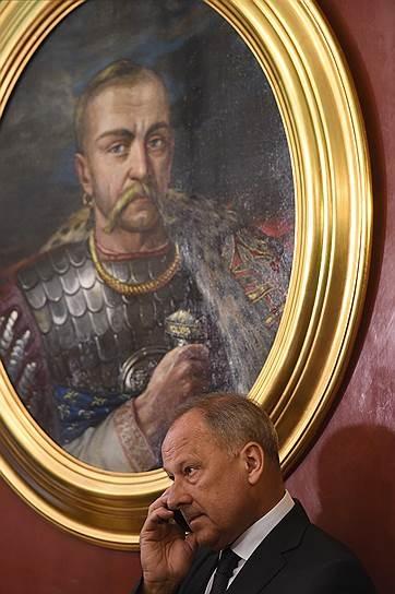 Растраченное Дмитриевым оплатит народ