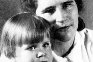 В Москве скончалась Зинаида Попова, дочь Адольфа Гитлера