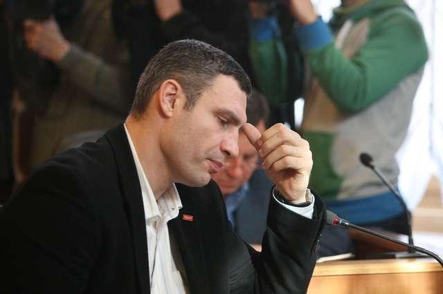 Луценко пригрозил Виталию Кличко революцией и импичментом