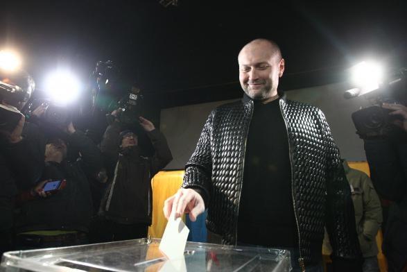 Береза пришел на выборы в куртке стоимостью равной его годовому доходу