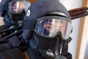 Засовывали ствол в рот, свешивали с балкона: СБУшники 10 дней пытали бойца АТО