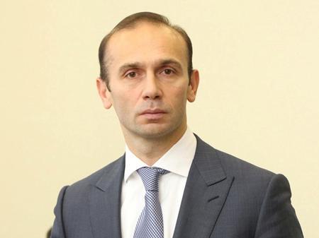 Артур Емельянов. Судья-рейдер времен Януковича все еще при деле