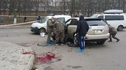 """Взрыв """"Лексуса"""" в Киеве может быть связан с борьбой за столичные парковки"""