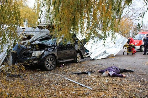 В Каменце-Подольском Toyota влетела в остановку с людьми