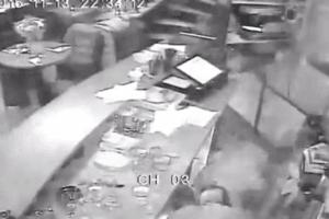 Появилось жуткое видео обстрела террористами кафе в Париже