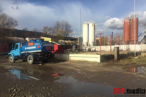 В Киевской области нашли подпольный завод с 240 тоннами топлива (фото)