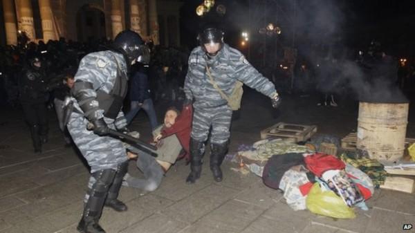 Захарченко припомнил Левочкину майданную елку