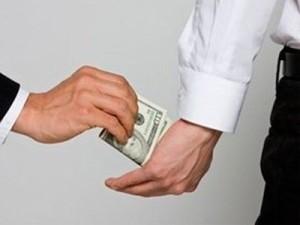 Подкуп в деле о покушении на убийство суд «наказал» испытательным сроком