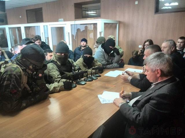 «Евромайдановцы» захватили судью Малиновского суда