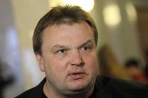 """Режим без визы: украинские журналисты призвали к бойкоту автора """"отмены деклараций"""""""