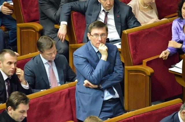 """Лещенко стверджує: голова фракції БПП Луценко заявив, що """"Томбінському треба менше бухати з Шабуніним"""""""