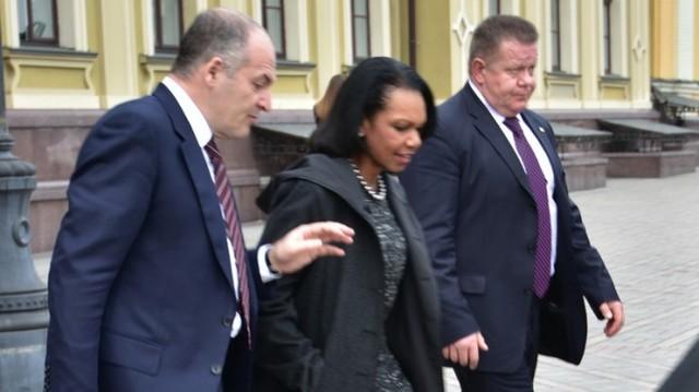 Пинчук возит Кондолизу Райс на своем броневике стоимостью 9,5 млн грн