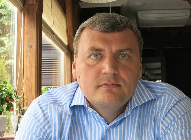 Люди Януковича продолжают незаконную стройку на Почтовой