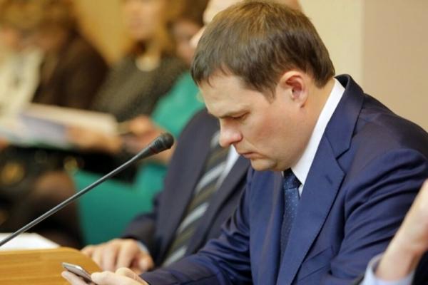 Олег Ежов попался в ежовые рукавицы