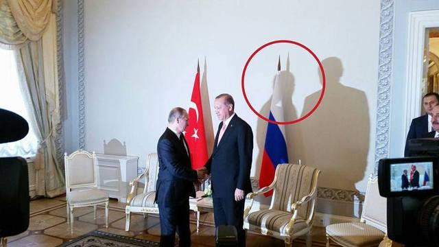 У Путина на встрече с Эрдоганом выросли рога: в сети смеются
