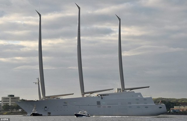 Российский олигарх попал в глупейшее положение из-за своей супердорогой яхты