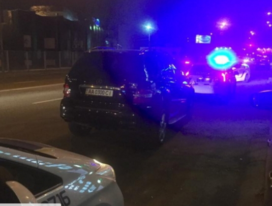 В Киеве ночью полиция с погоней задержала пьяных СБУшников