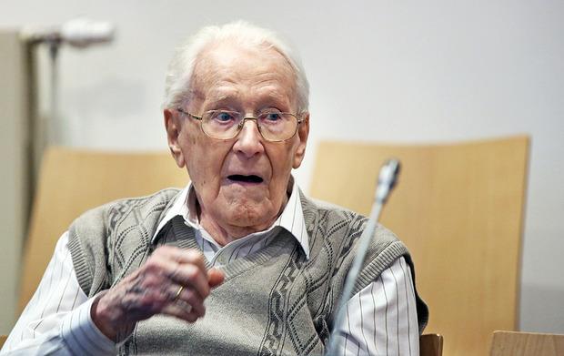 """""""Бухгалтер из Освенцима"""" Оскар Грёнинг признался в причастности к убийству 300 тысяч евреев"""
