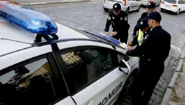 В Николаеве полицейские дубинками избили журналистов