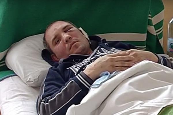 В Черкассах пьяный патрульный жестоко избил мужчину в кафе