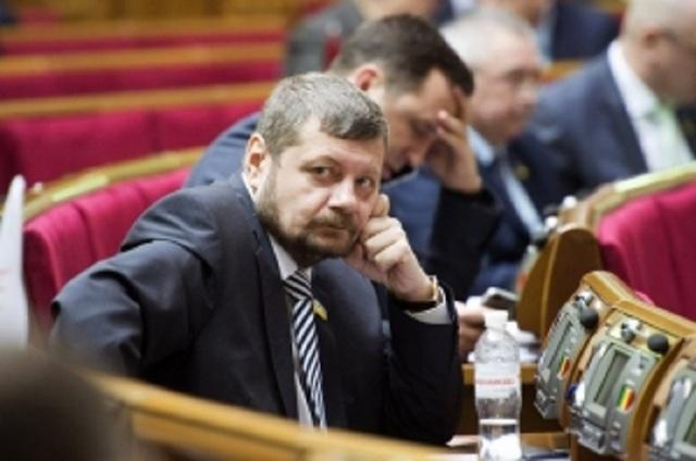 По этому пьяному быдлу только стрелять! – нардеп Мосийчук унизил украинцев и вступился за соратника Пашинского