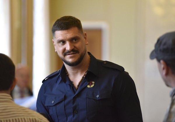 Безграмотный губернатор Алексей Савченко успешно прошел испытательный срок у Порошенко