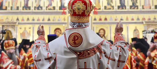 Почти 100 тысяч человек требуют отменить передачу Исаакиевского собора РПЦ