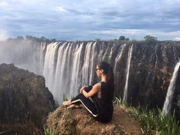 Невестка Гонтаревой встретила Новый год на водопаде Виктория