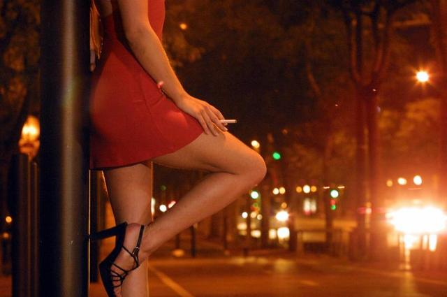 Работает ли публичное посрамление мужчин, которые покупают секс?