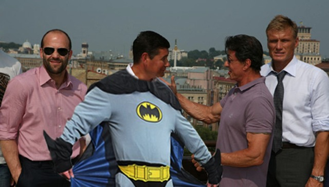 Онищенко примеряет лавры майора Мельниченко и голливудских супергероев