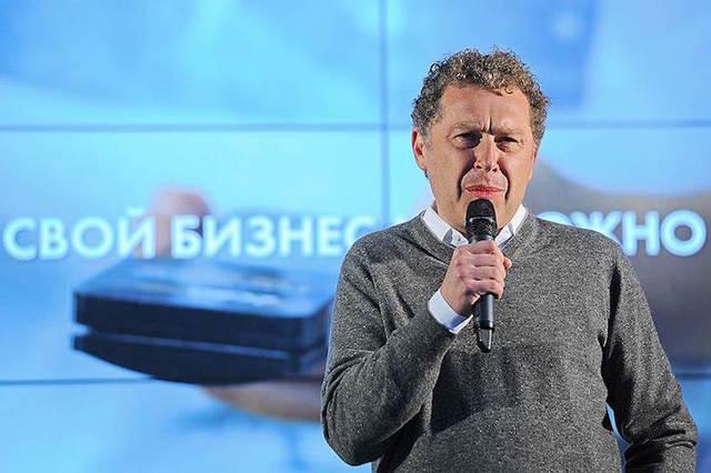 Александр Мамут собрался купить крупнейшую в России сеть кинотеатров