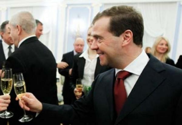 Погреть руки на тосканском градусе Медведеве