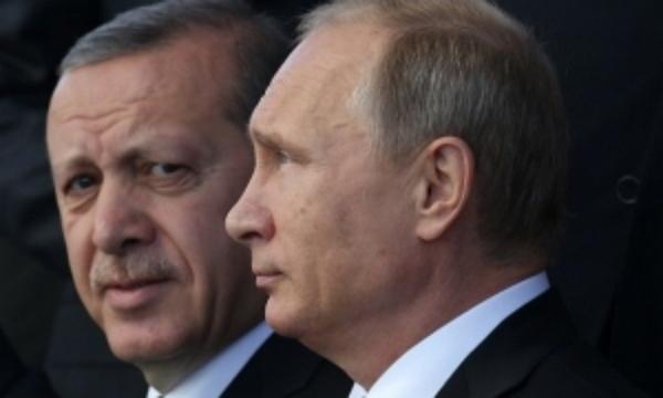 """Эрдоган не оценил шутку Путина, произнесенную главой Кремля шепотом и с """"каменным лицом"""""""