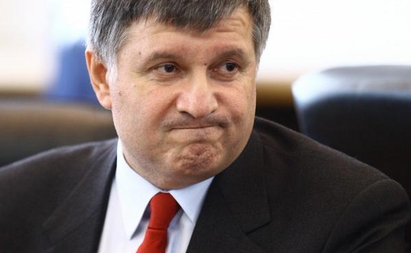 Министр с репутацией двурушника и афериста на Кабмине оскорблял Саакашвили за глаза